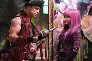 Descendants-2-Still-6