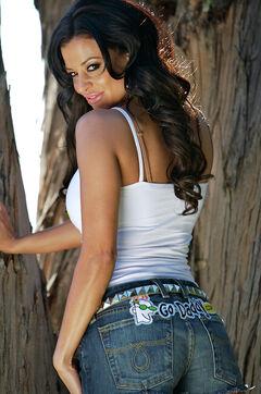 Candice-michelle-godaddy-7