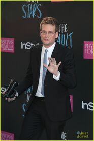 Birdy-john-green-fault-in-our-stars-blue-carpet-05