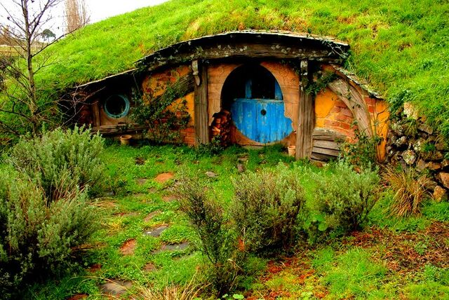 File:Hobbiton-the-lord-of-the-rings-the-flying-tortoise.jpg