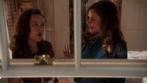 Hayley Orrantia and Bella Dayne in The Goldbergs -1-19-