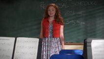 Natalie Alyn Lind in The Goldbergs -2-2-; Mama Drama