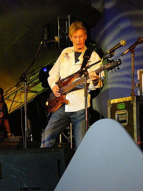 450px-Phil Lesh at Yuri's NIGHT OUT 2008