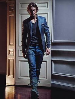 Bachelor8 walking pinstripe blazer VSS