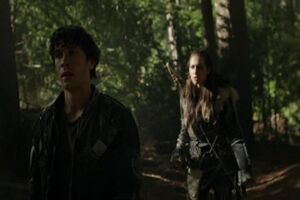 The100-4x05BellamyEcho2