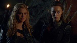 Clarke-Lexa-2x14-1