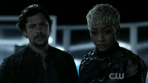 The 100 S6 epi 5 -Bellamy and Gaia