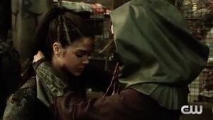 The 100 4x10 - Gaia & Octavia