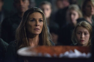 The 100 4x12 The Chosen - Abby pic 7