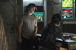 Kane-and-bellamy-looking-tense-the-100-season-3-episode-4