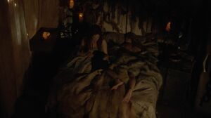 The100 S3 Wanheda Part 1 Clarke Niylah 6