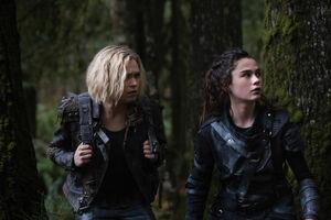 5x10 - Clarke and Madi