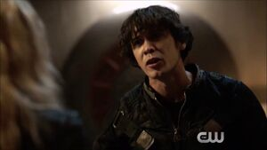 The 100 4x11 Bellamy