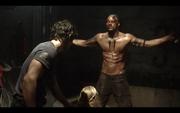 1x07-Bellamy touches Clarke's shoulder