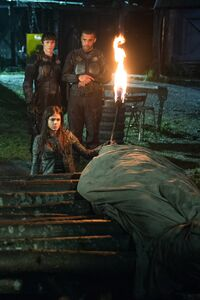 The-100-Demons-3x12-promotional-picture-the-100-tv-show-Miller & Bryan