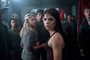 The 100-Clarke-Bellamy-Octavia-Scene