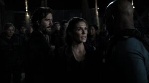 The100 S3 Watch The Thrones Marcus Abby