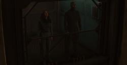 Katniss y Boggs en el ascensor del Distrito 13