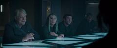 Katniss hablando con Boggs, Gale, Coin y Plutarch