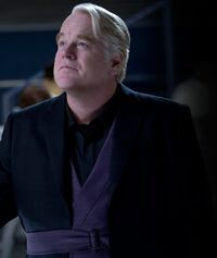 Plutarch Heavensbee THGE