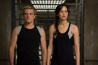 Peeta-katniss-catching-fire training