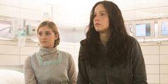 Katniss y Prim en el Hospital del Distrito 13