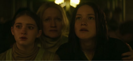 The everdeen family in mockingjay part 1