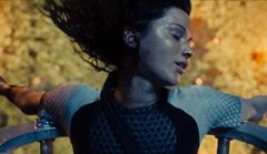 Katniss siendo rescatada de la arena