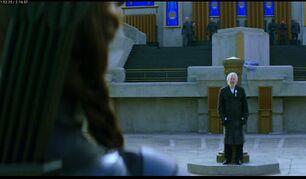 Президент Сноу очень рад тому, что Китнисс убила Койн