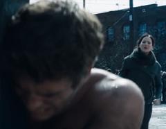 Katniss viendo a Gale ser azotado