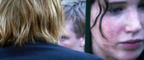 Голодные игры-1 Golodnye.Igry.2012.DUAL.BDRip-AVC.AC3.-HQ-ViDEO.mkv 20200511194100 0005