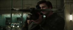 Gale probando su ballesta en Armamento Especial