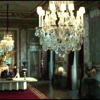 Главный зал дворца - отсюда президент обращался к нации по TV