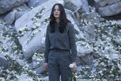 Katniss luego del bombardeo al Distrito 13