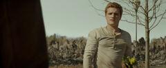 Peeta hablando con Katniss
