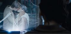 Holograma del beso entre Gale y Katniss