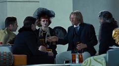 Haymitch hablando con patrocinadores