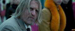 Haymitch viendo los 74° Juegos del Hambre