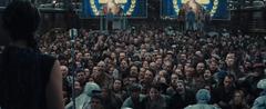 Katniss haciendo un discurso en el Distrito 3