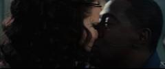 Chaff besando a Katniss