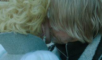 Поцелуй Хеймитча и Эффи