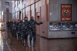 Escuadrón 451 en las calles del Capitolio
