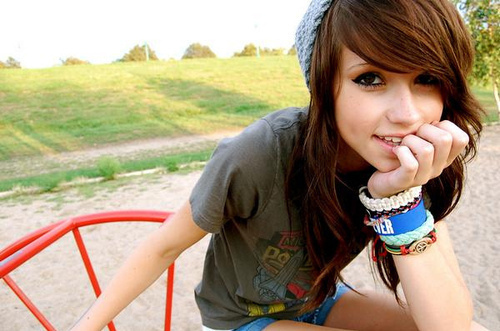 image - beautiful-bracelets-brunette-cute-eyes-girl-favim-77158