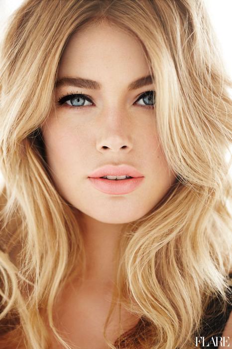 image girls with wavy long blonde hair and blue eyes o4vzaezv jpg