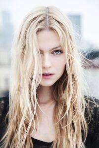 Beautiful-blonde-girl-hair-photo-Favim.com-442486