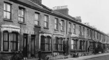 A-row-of-victorian-terraced-houses-in-an-east-london-street-due-for-demolition-mary-evans-picture-library