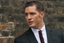 Reggie-Kray-TOM-HARDY-in-Legend