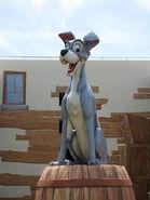 Tramp Disney Pop Parks