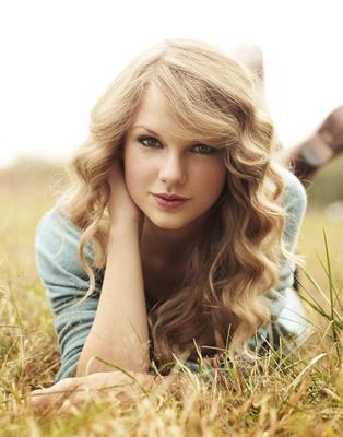 File:Taylor-Swift-Photoshoot-taylor-swift-16435732-314-400.jpg