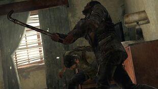 Un superviviente intenta matar a Joel con un tubo.